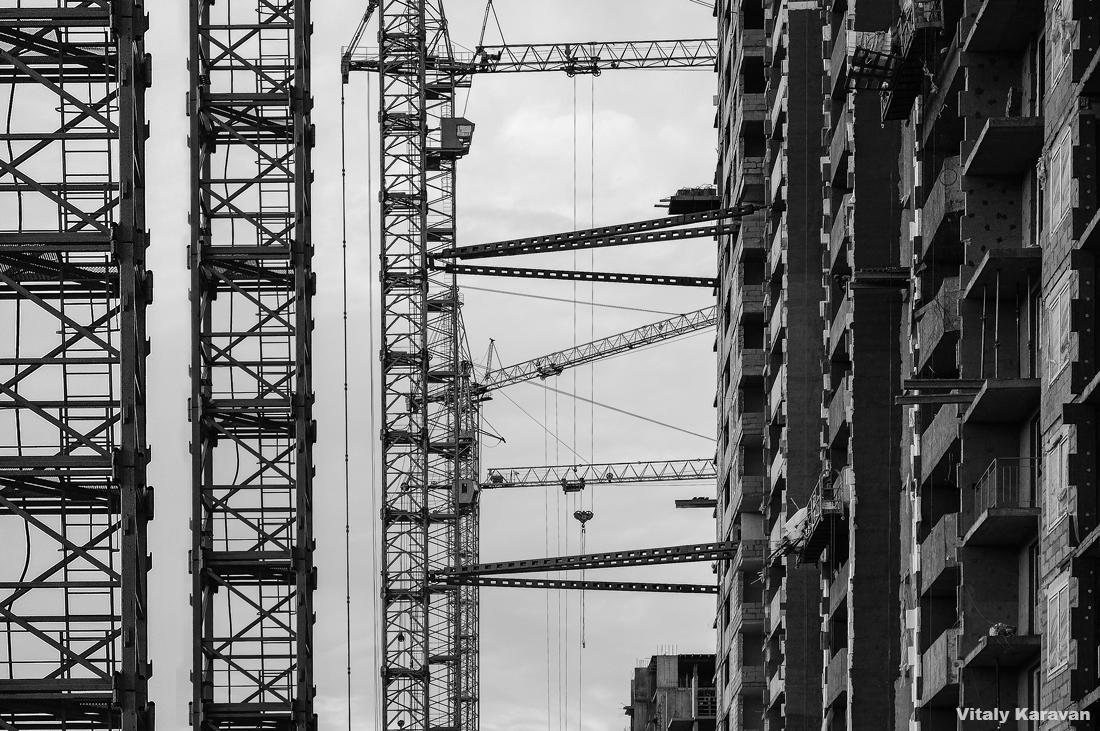 фотограф Виталий Караван строительство академического в Екатеринбурге краны