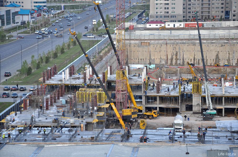 Строительство Абу Даби Плаза
