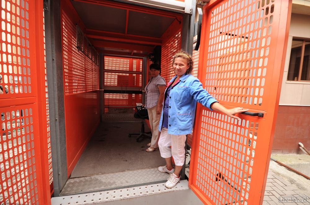грузовой подъемник в БЦ Антей