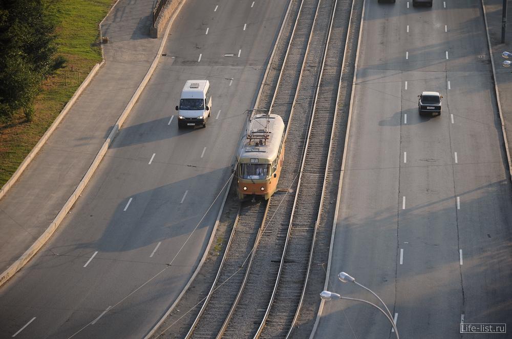 трамвай вид сверху на уралмаше
