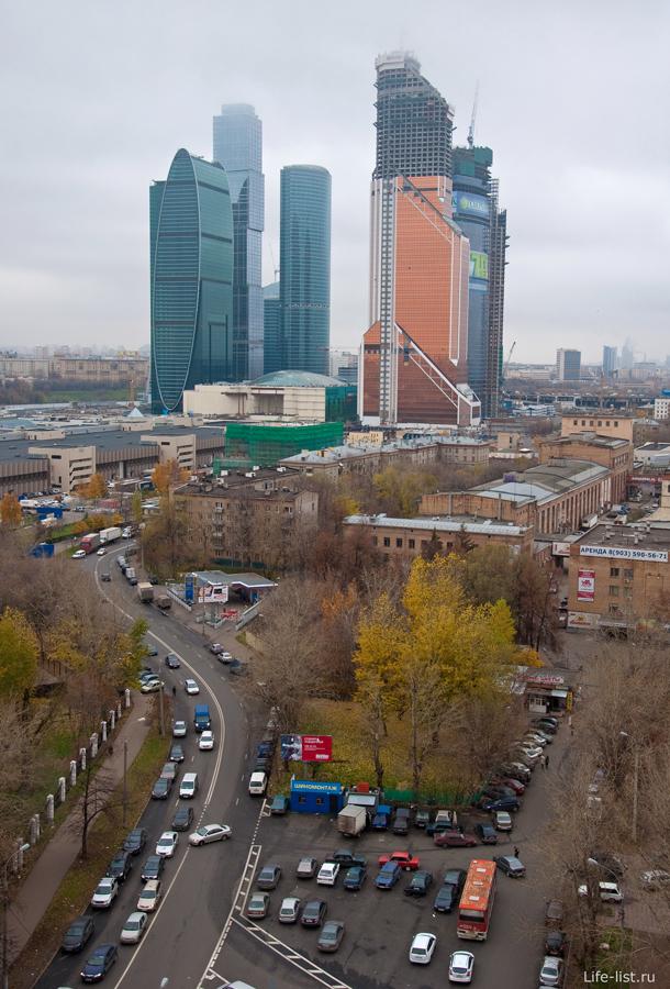 вид на строительство Москвы-сити