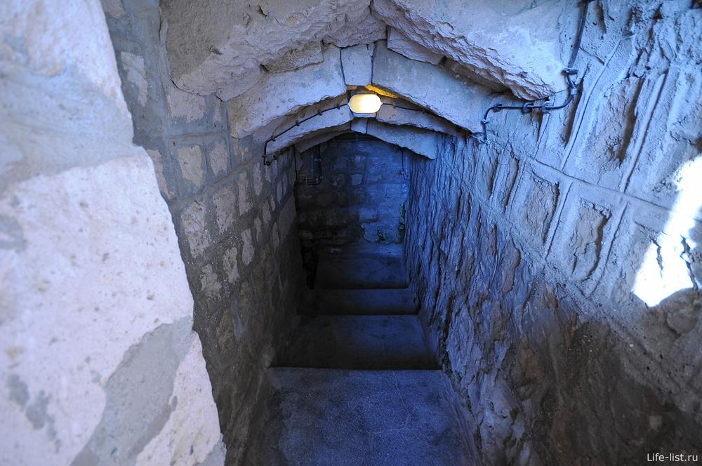 Выход из подземного город Деринкую