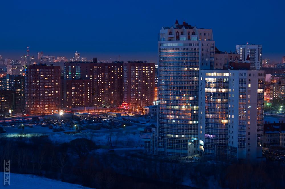 застройка рядом с Белинского ночной Екатеринбург фотограф Виталий Караван Большакова 25