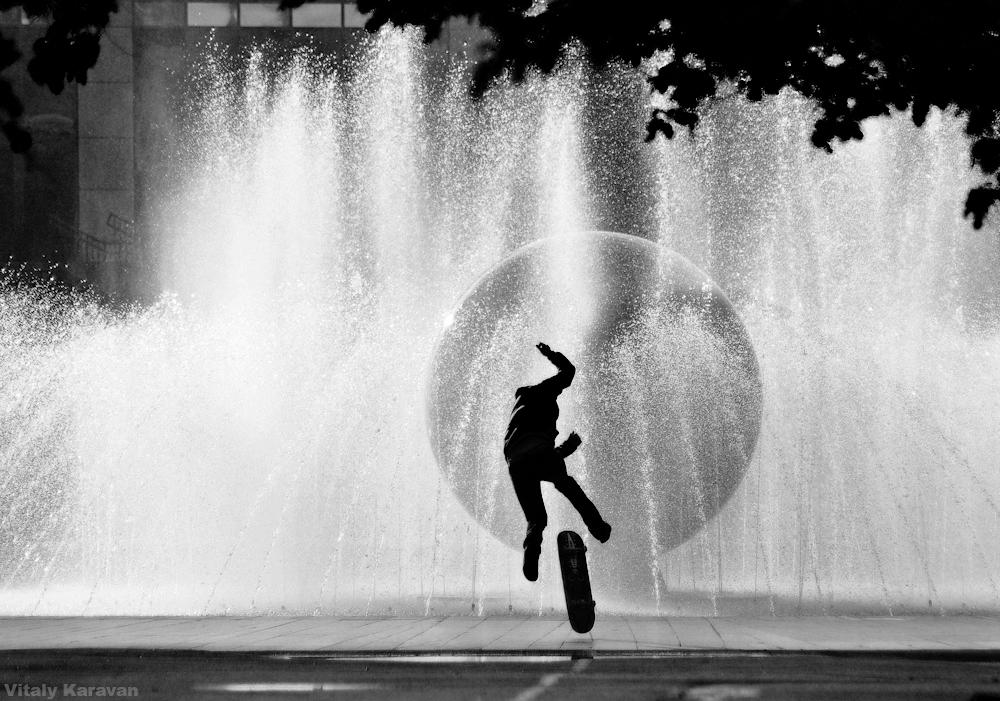 стрит фото у фонтана Екатеринбург photo by Vitaly Karavan