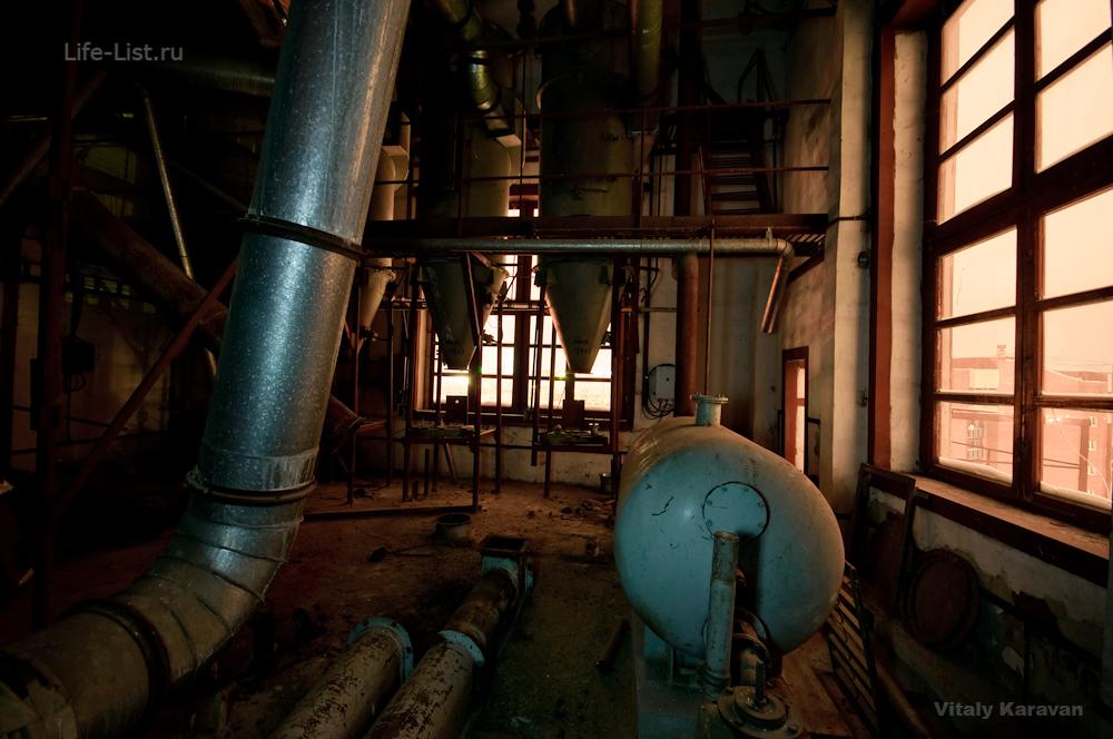 старый мукомольный завод на Челюскинцев фото внутри