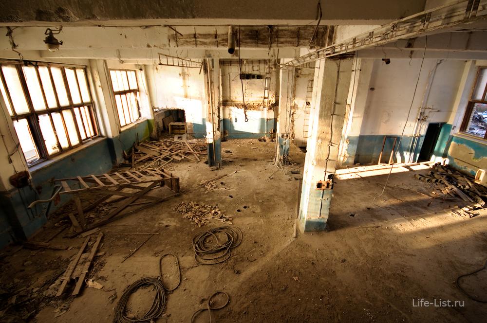 снос мукомольного завода в Екатеринбурге внутри здания размольный цех