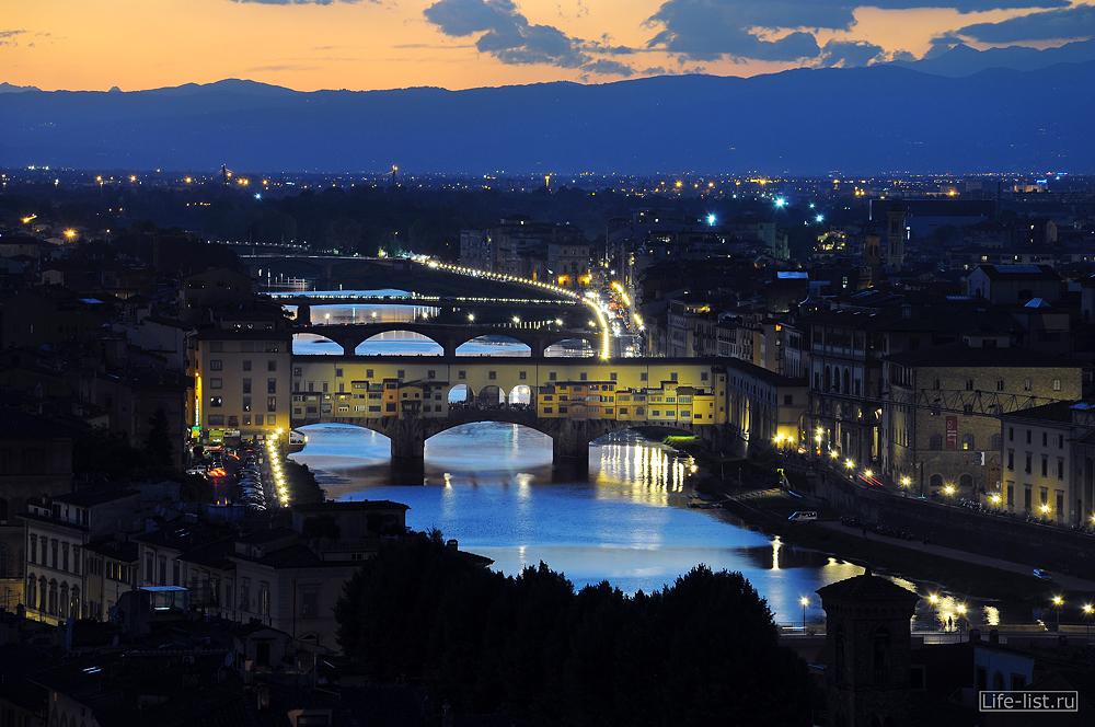 Флоренция мост Понте Веккьо ночное фото с высоты Florence