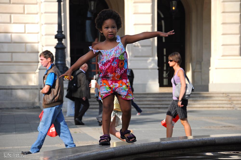 Чернокожий девочка ребенок Франкфурт Германия