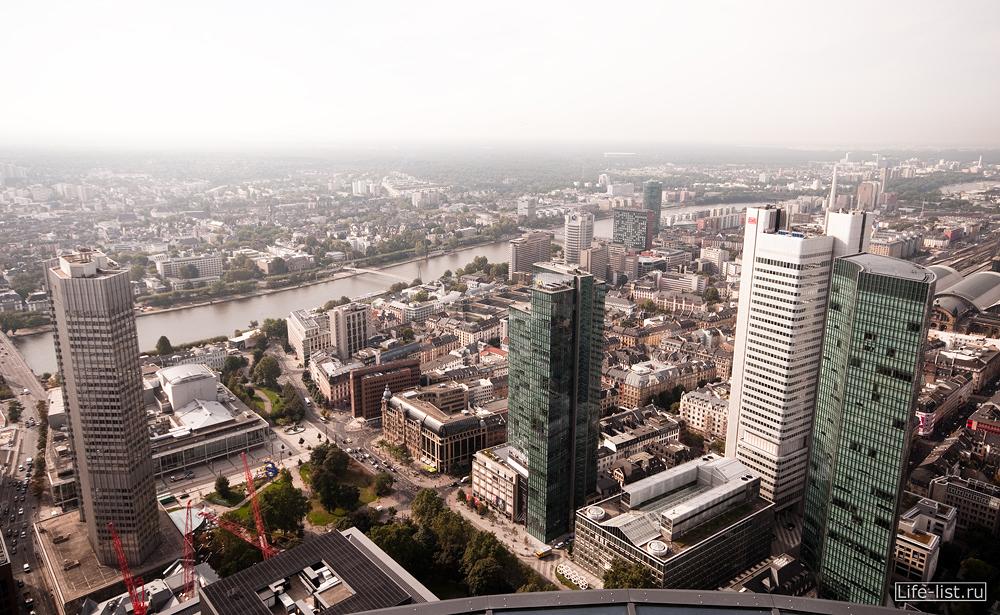 немецкий город Франкфурт на майне с высоты небоскреба майн тауэр