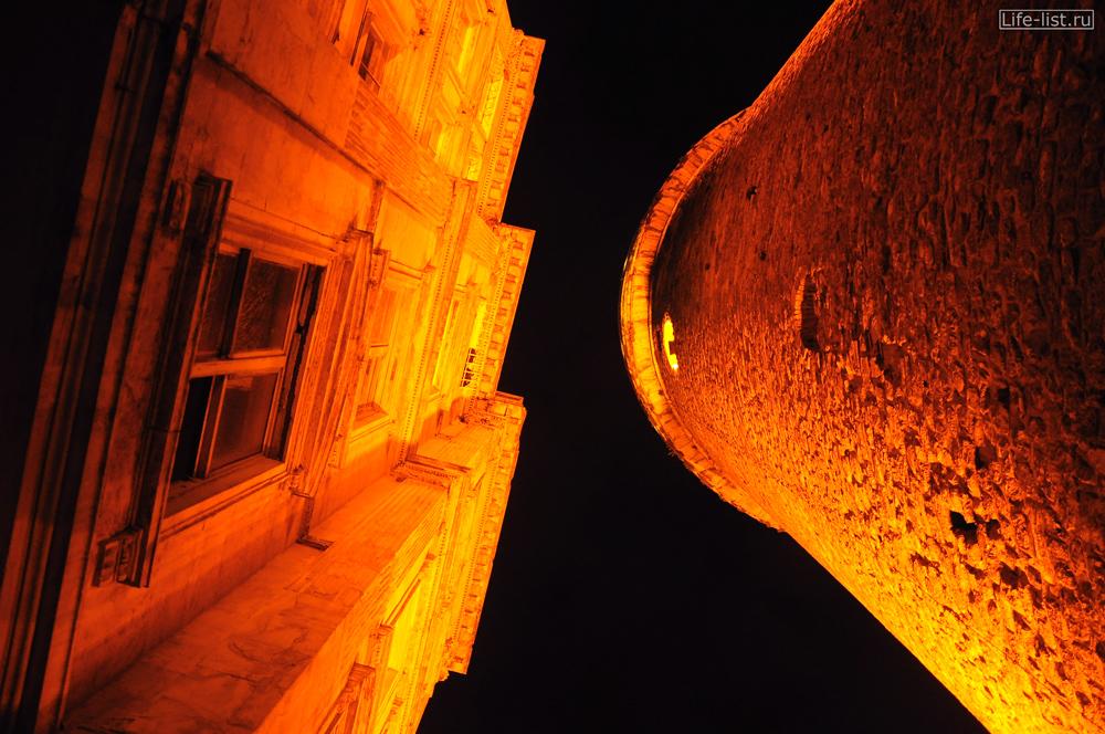 галатская башня вид снизу в стамбуле турция