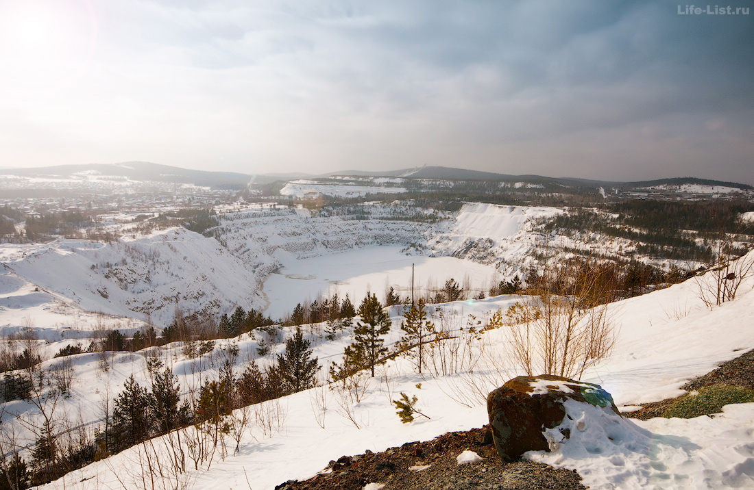 Главный карьер Высокогорского ГОКа фото Нижний Тагил
