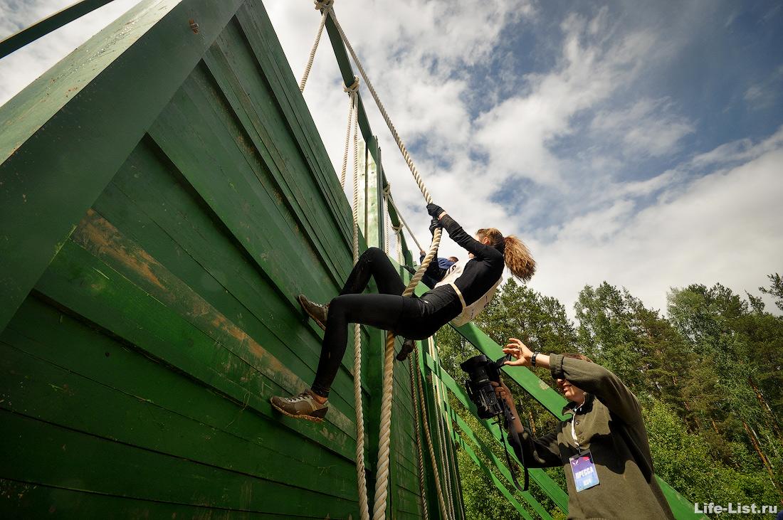 полоса препятствий на полигоне ГонкаГероев