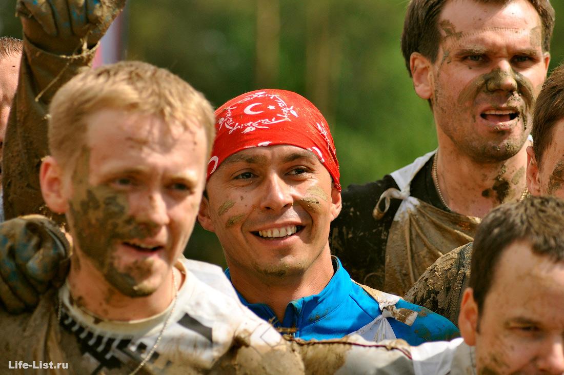 Гонка Героев в Екатеринбурге фото участников на финише