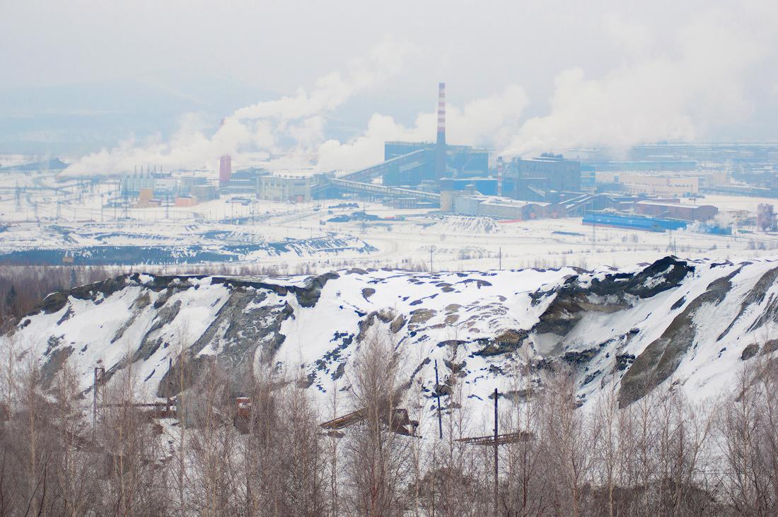 Вид с горы Караульная на СУМЗ Первоуральск