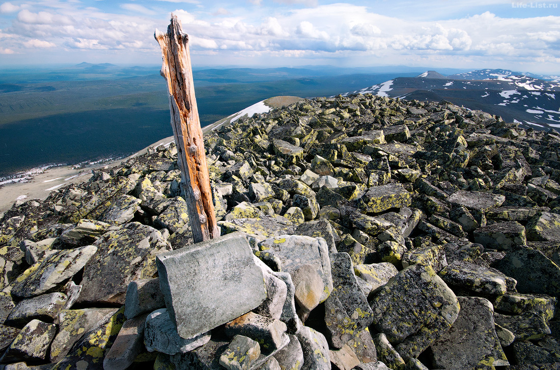Вершина Туристов-лыжников 1335м. ГУХ