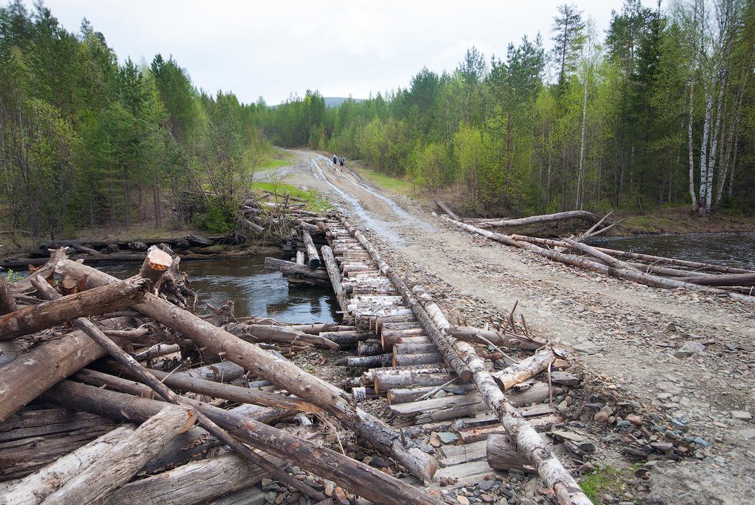 Дорога от поселка Калья до базы Крив мост через реку Крив