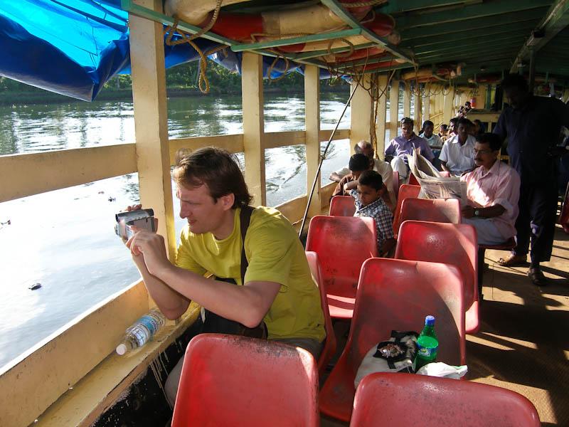 Водный автобус в Индии