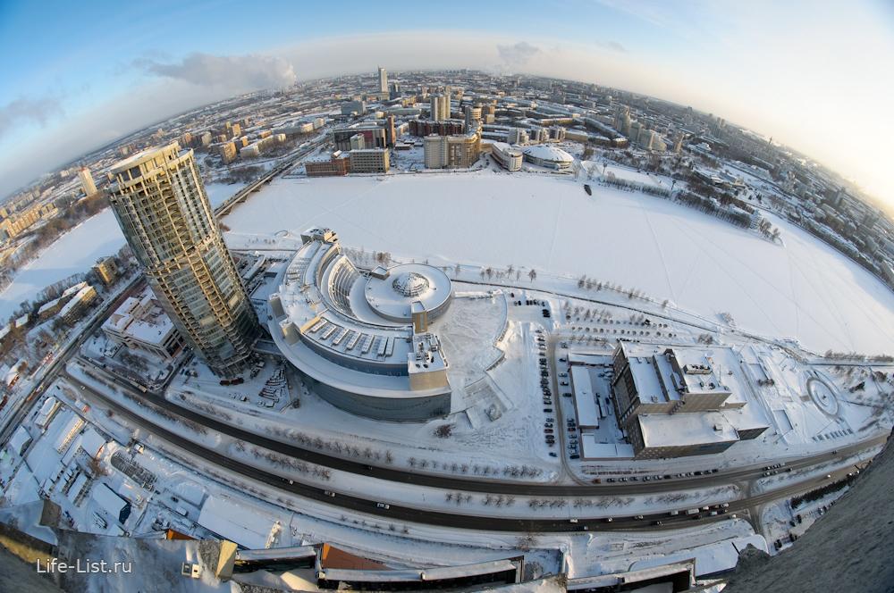 Екатеринбург с высоты башни Исеть фото Виталий Караван
