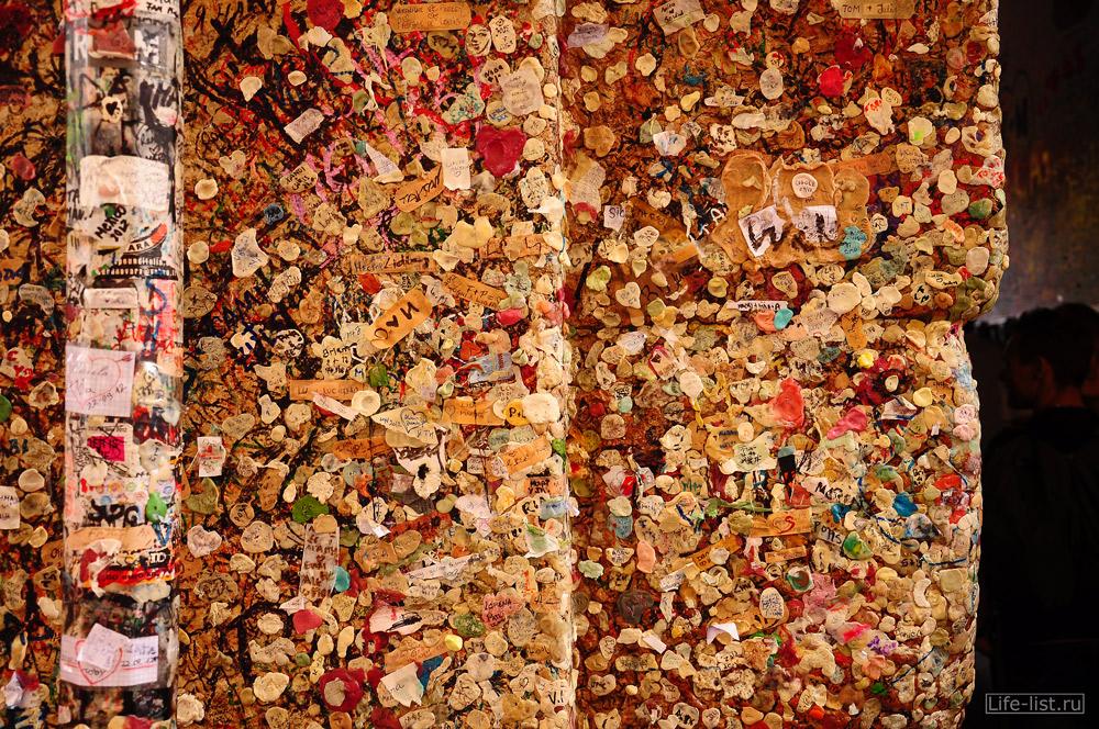 расписанные любовными посланиями стены у Джульетты