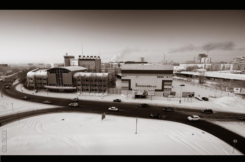 Екатеринбург черно белые фотографии автомобильное кольцо у Калины