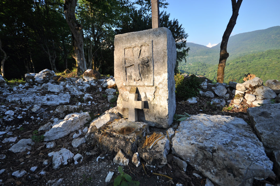 Развалины храма св. Георгия Анухва