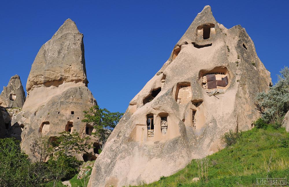 Учхишар скалы Каппадокия Турция