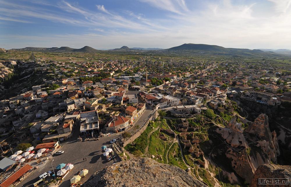 Красные крыши в Турции учхишар