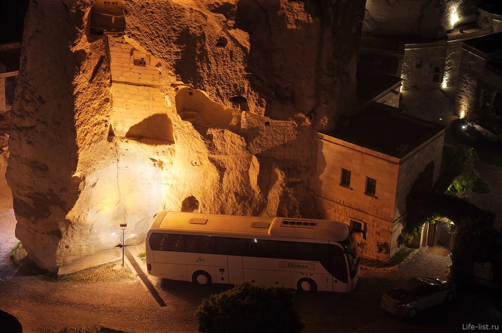 Скала автобус дом в турецкой деревне Гереме Турция