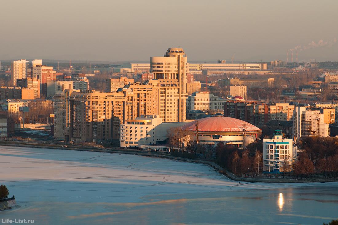 городской пруд екатеринбурга с высоты