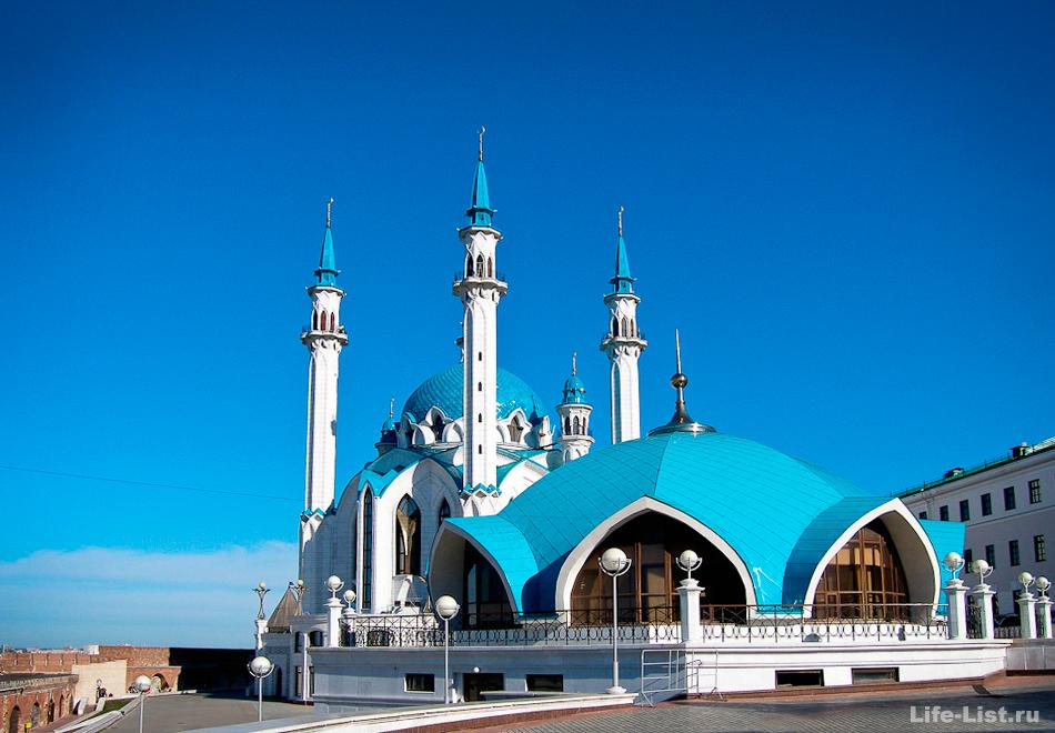 Мечеть Кул Шариф, молодое сооружение, ее построили 2005 г.
