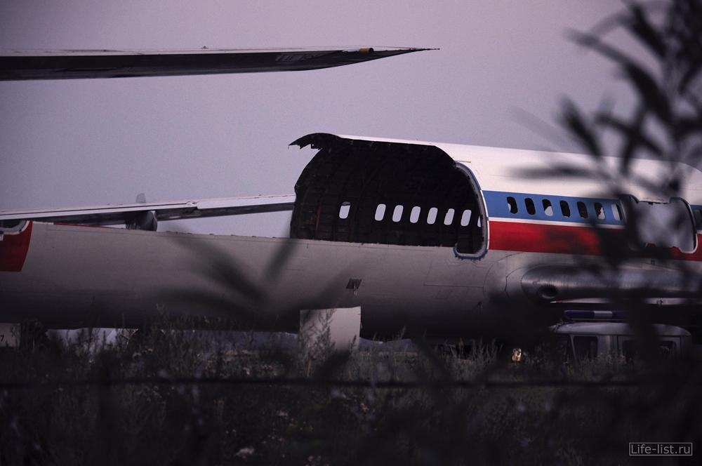 Распиленный самолет ту154