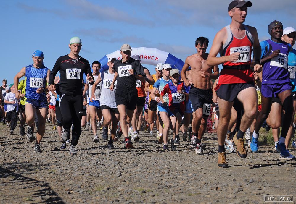 марафонцы бегут конжак 2012