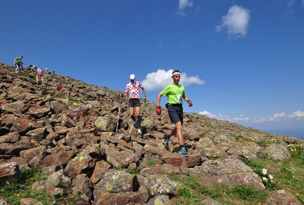 бегуны марафонцы на горе конжак 2013 год