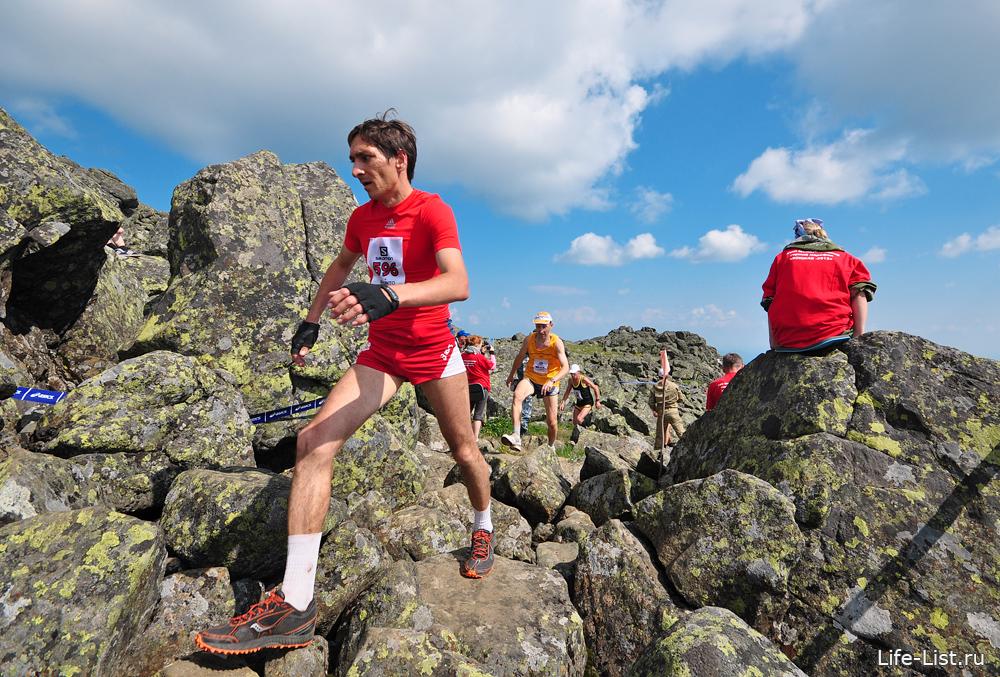 бегун марафонец на конжаке 2013 фото с вершины
