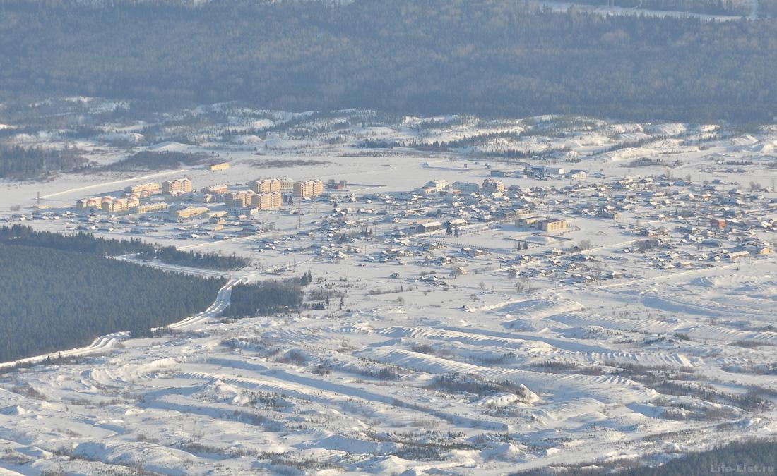 Поселок Кытлым с горы Косьвинский Камень