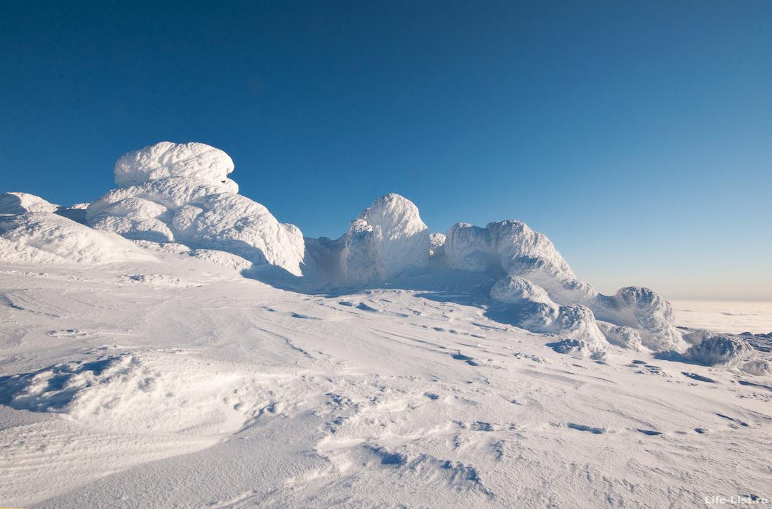 Жандармы на вершине горы Косьвинский камень зима январь