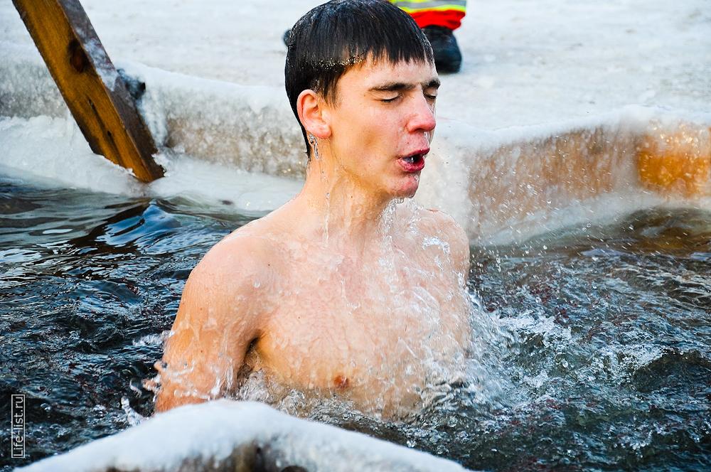 Крещенские купания в проруби фотограф Виталий Караван