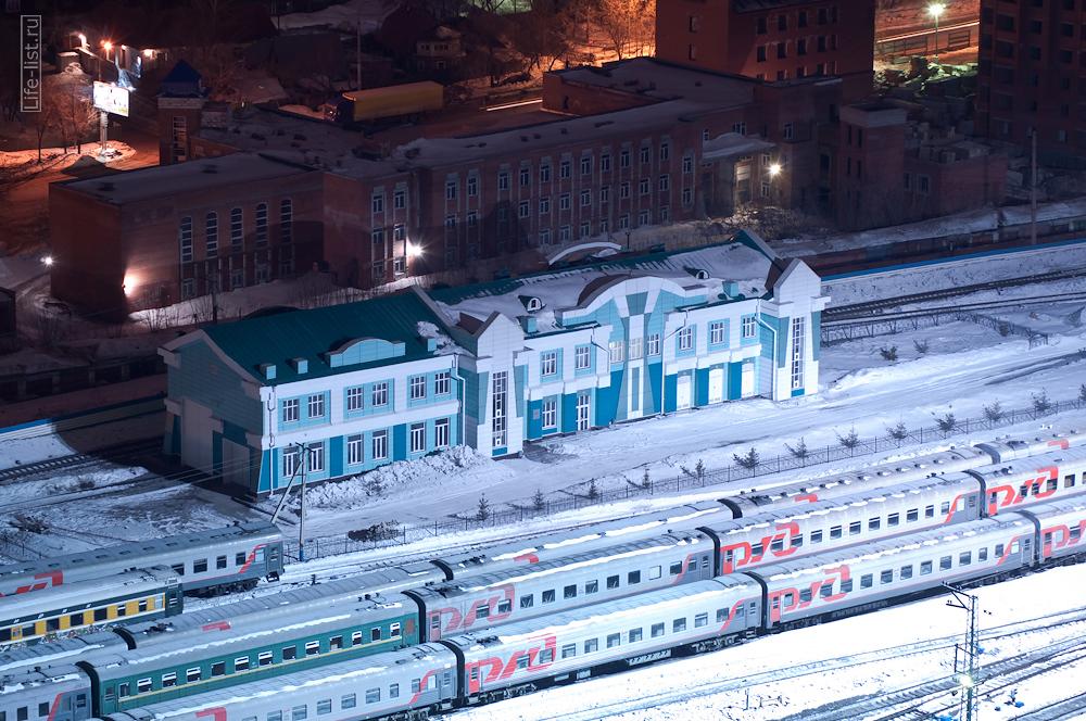 Какое-то красивое здание железнодорожного значения Новосибирск