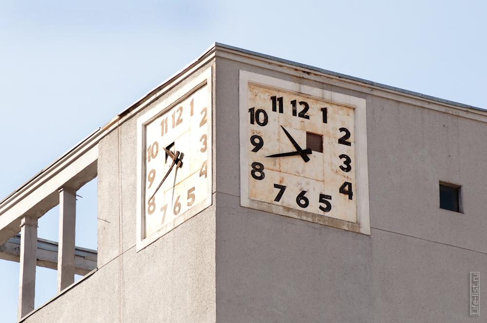 Фото дом с часами в Новосибирске