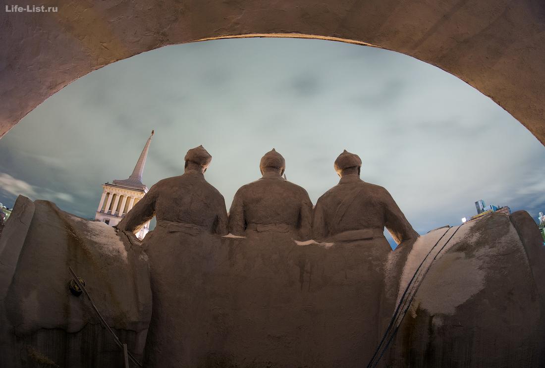 фигуры барельев советские солдаты ОДО Екатеринбург фото Виталий Караван