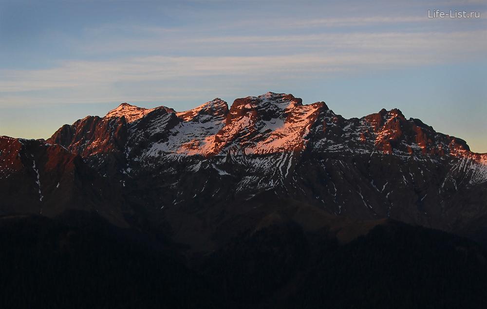Горы Абхазии в закате