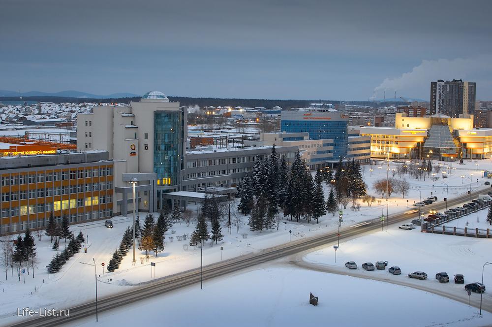 УГМК. Директорский корпус и центральная проходная фото