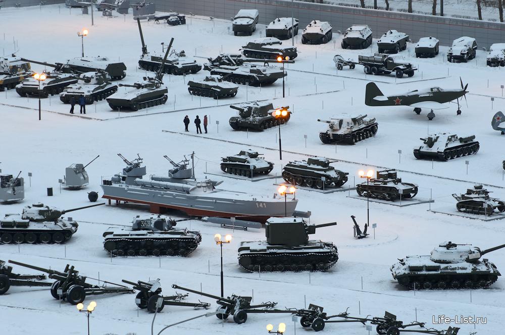Военная выставка в Пышме фото