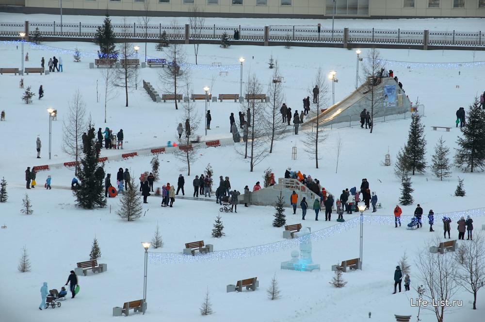 Праздничные новогодние гуляния в парке УГМК