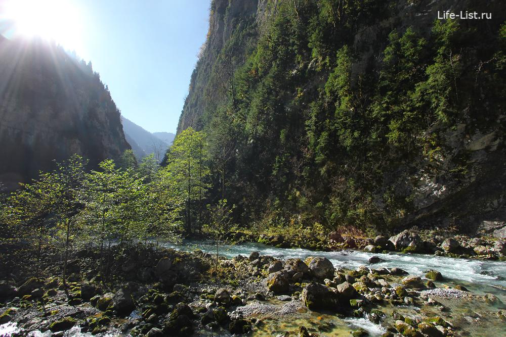 горная река Рица ущелье достопримечательности Абхазии
