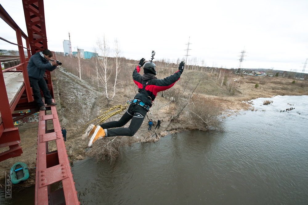 прыжки с моста на веревке