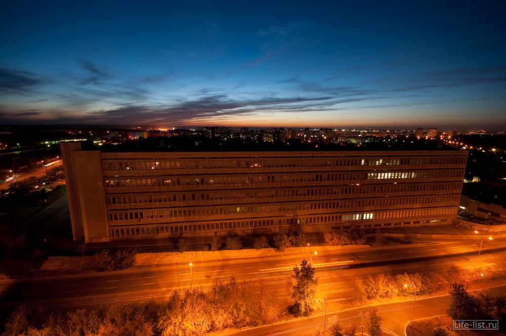 Улица Серафимы Дерябиной фото офисное здание НПО Автоматика