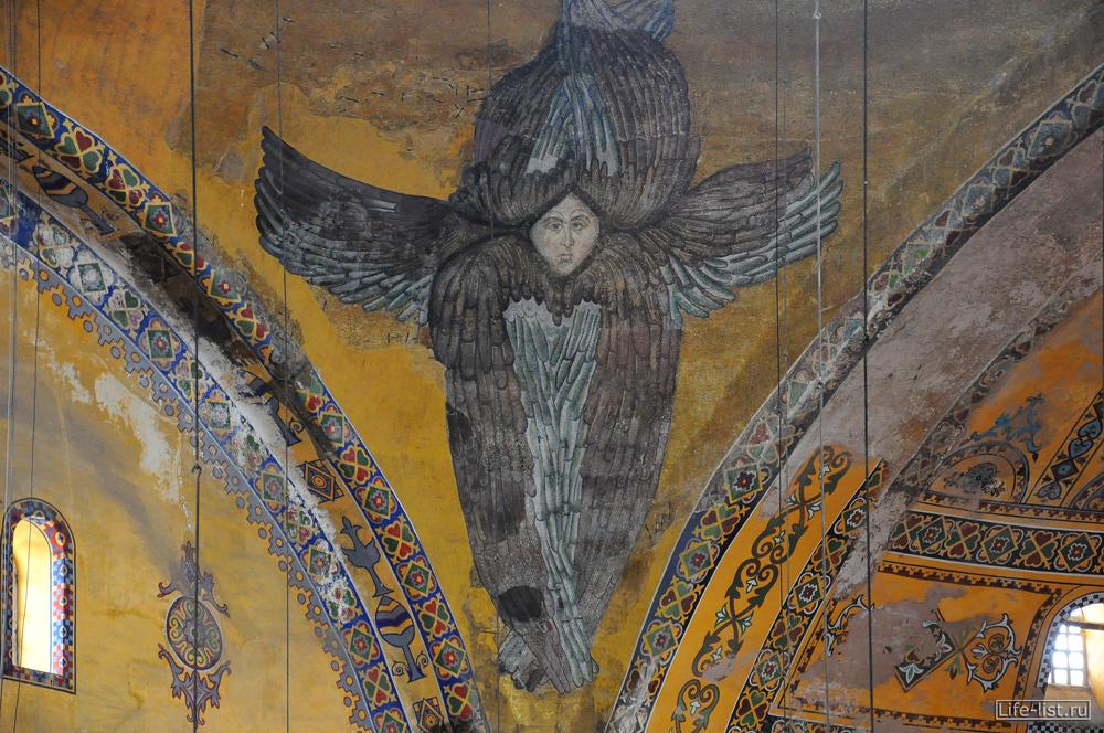Изображения на стенах в соборе Святой Софии