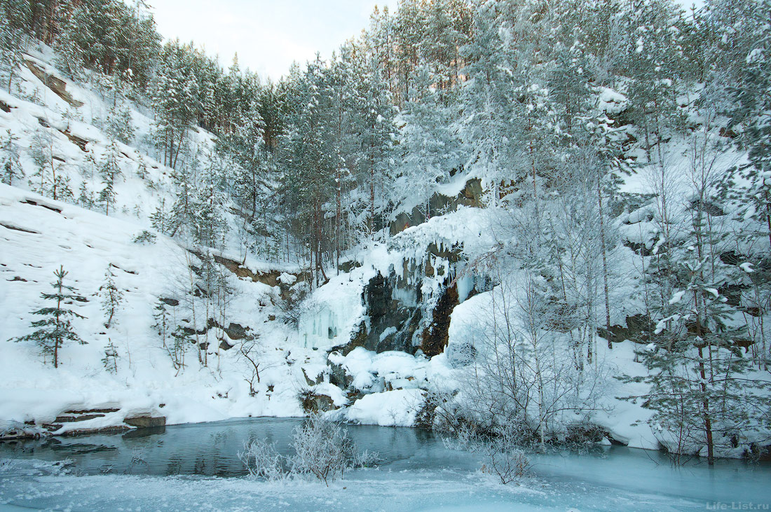 водопад на карьере Старая линза Екатеринбург фото