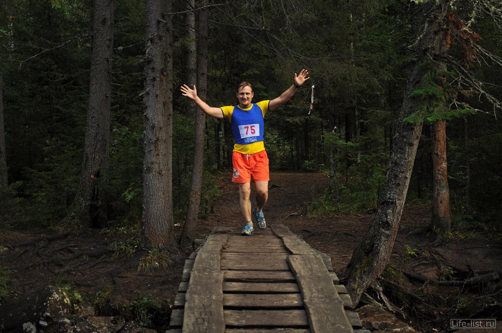 Виталий Караван на горном марафоне в таганае забег за облака